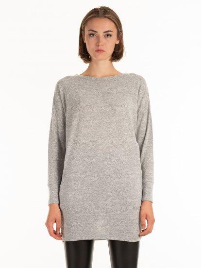 Predĺžený sveter s vreckami