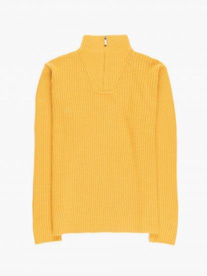 High collar pullover