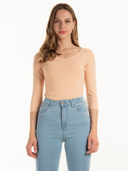 Basic stretch top