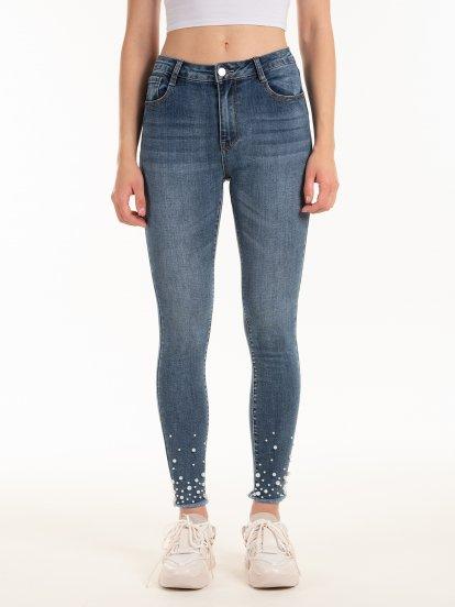 Jeansy skinny z perłami