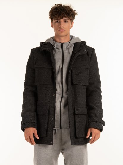 Hooded coat with pockets