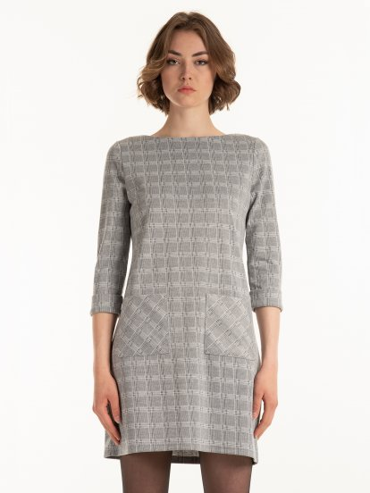 Kárované šaty