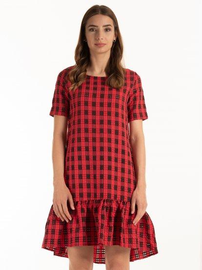 Kostkované šaty s volány