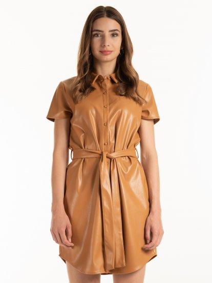 Koženkové šaty