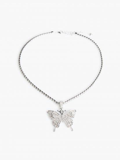 Náhrdelník s přívěskem ve tvaru motýla