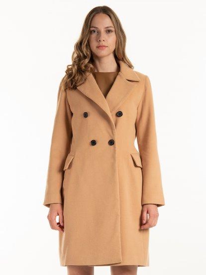 Základní kabát s dvouřadým zapínáním