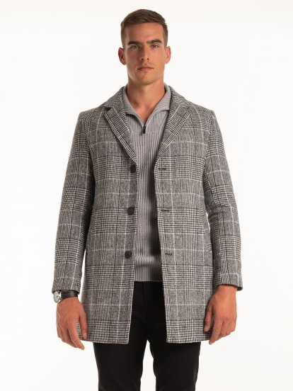 Dlouhý károvaný kabát