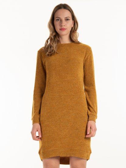 Pletené šaty s kapsami
