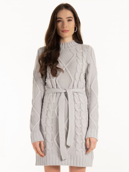 Cable knit pullover with belt