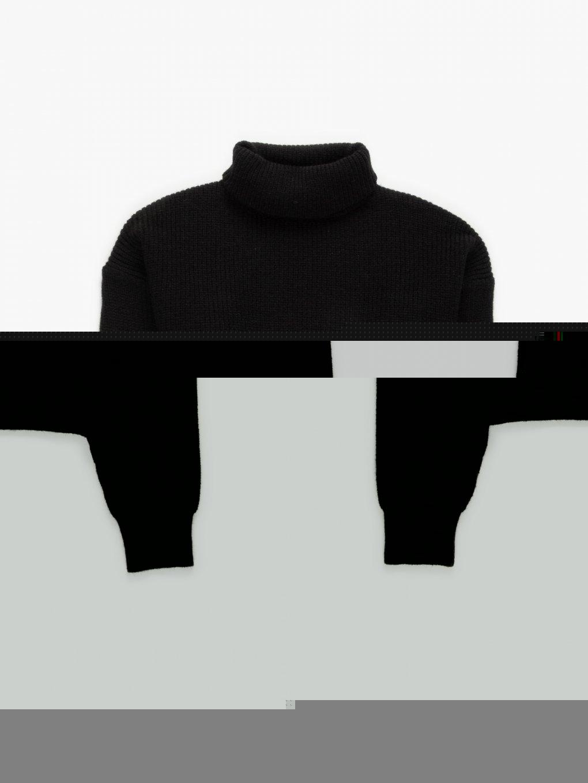 Wide sleeve rollneck jumper