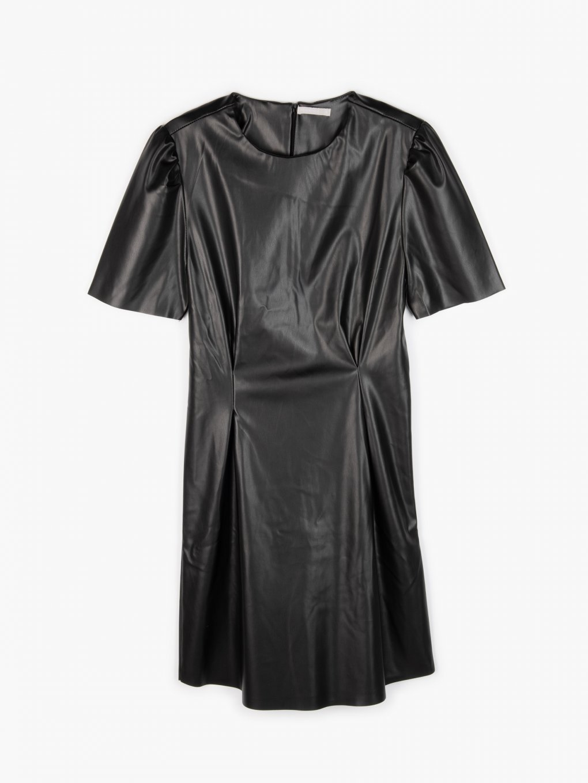 Šaty z imitace kůže
