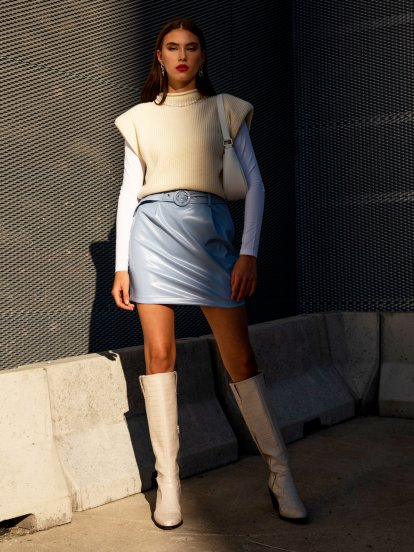Mini spódniczka z paskiem
