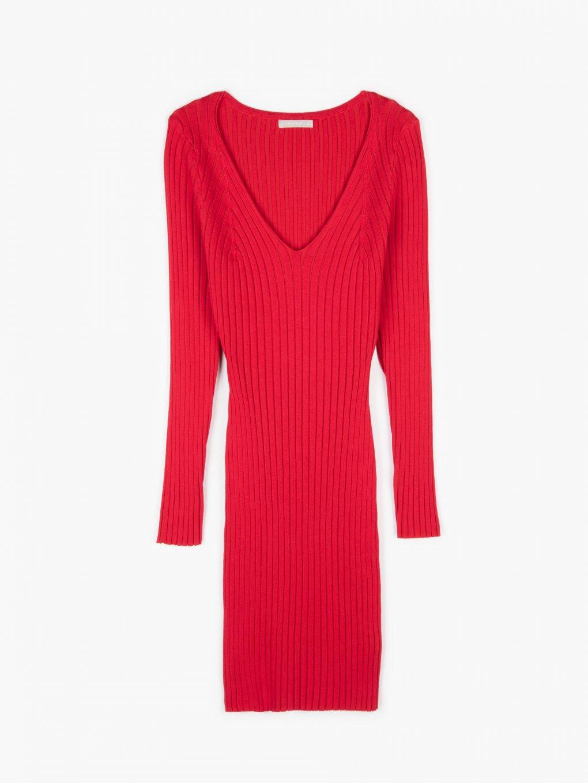 Popnuté pletené šaty