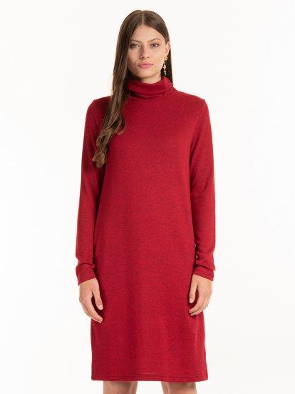 Pletené rolákové šaty
