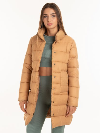Prešívaná vatovaná bunda so skrytým zapínaním