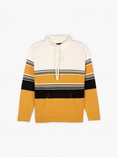 Sweter w paski z kapturem