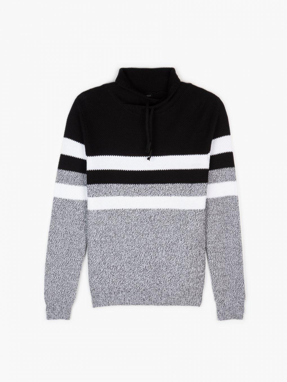Sweter w paski z wysokim kołnierzem