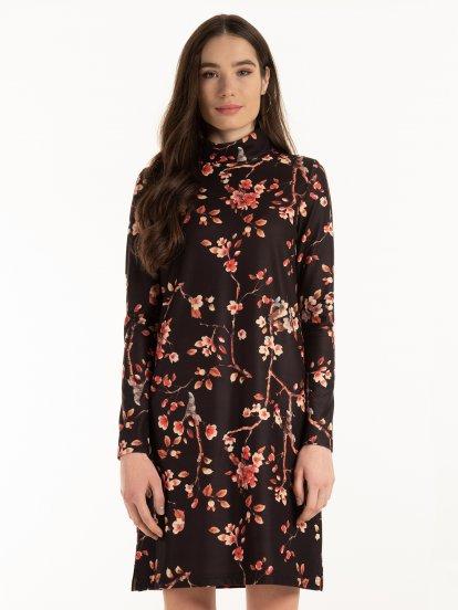 Rolákové šaty s květinovým potiskem