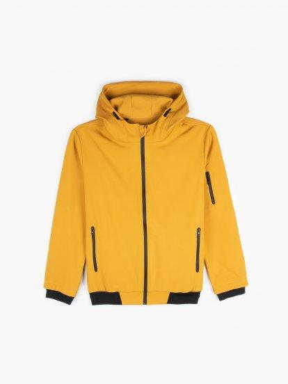 Fleece lined softshell jacket