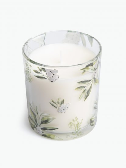 Blueberry scented candle