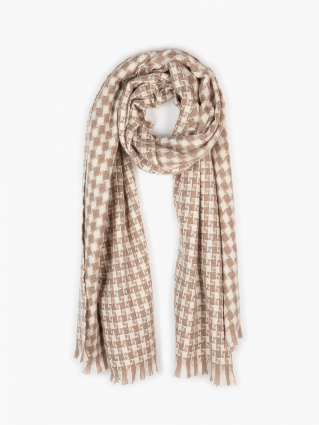 Scarf with pattern