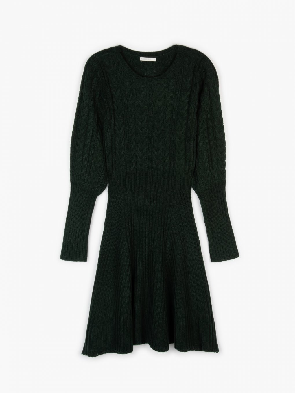 Pletené šaty áčkového střihu