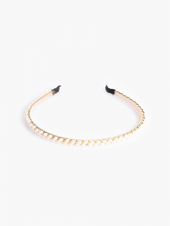 Čelenka s falošnými perlami