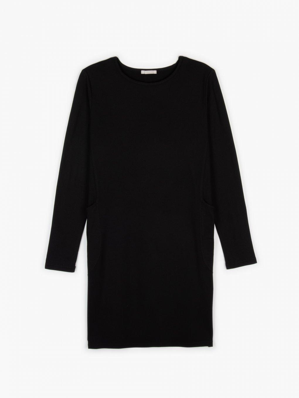 Plain dress with pockets