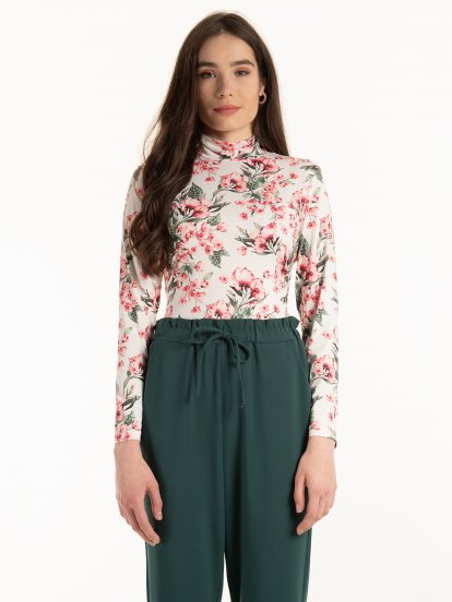 Glossy rollneck with floral print