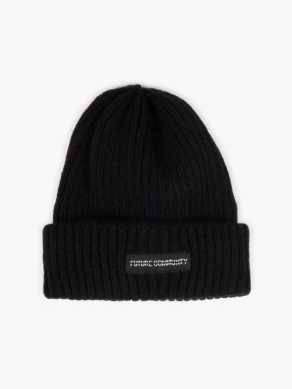 Ribbed cap with patch