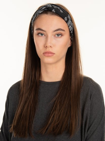 Front knot headdress