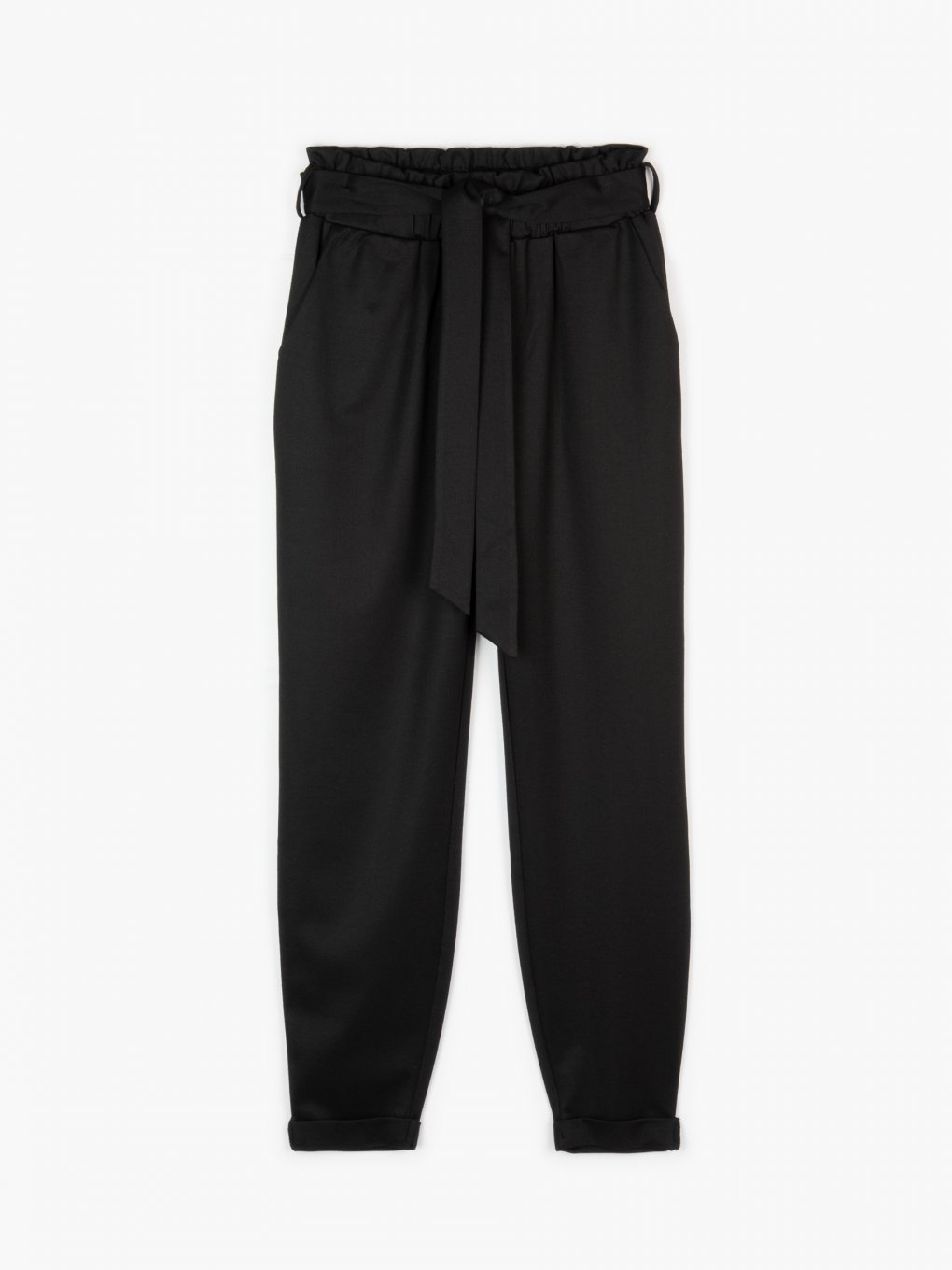 Belted pants with pockets