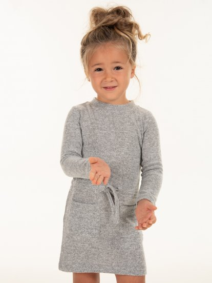 Knitted long sleeve dress with pockets