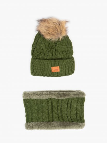 Cable knit cap with pom pom and scarf