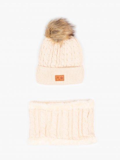 Zimná pletená dievčenská čiapka s brmbolcom a nákrčník